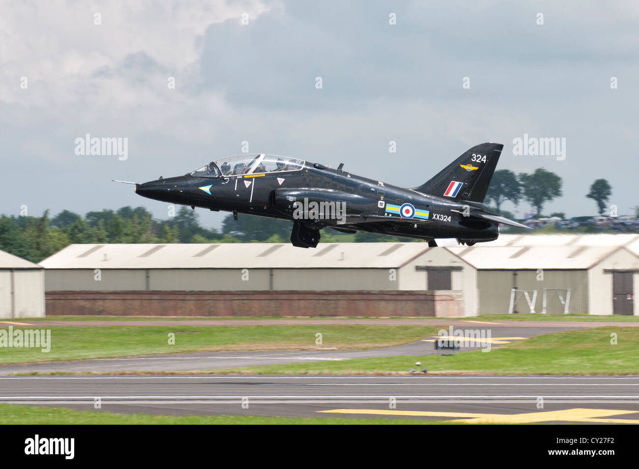 British Aerospace Hawk T2 Jet Trainer XX324 of the RAF No. 4 Squadron Flying Training School takes off at the 2012 - Stock Image