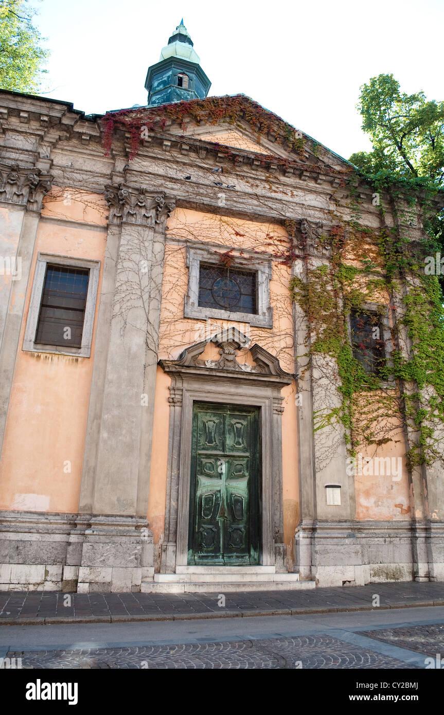Križanke Summer Theatre, a former monastery complex of the Templar Knights of the Cross, Ljubljana, Slovenia - Stock Image