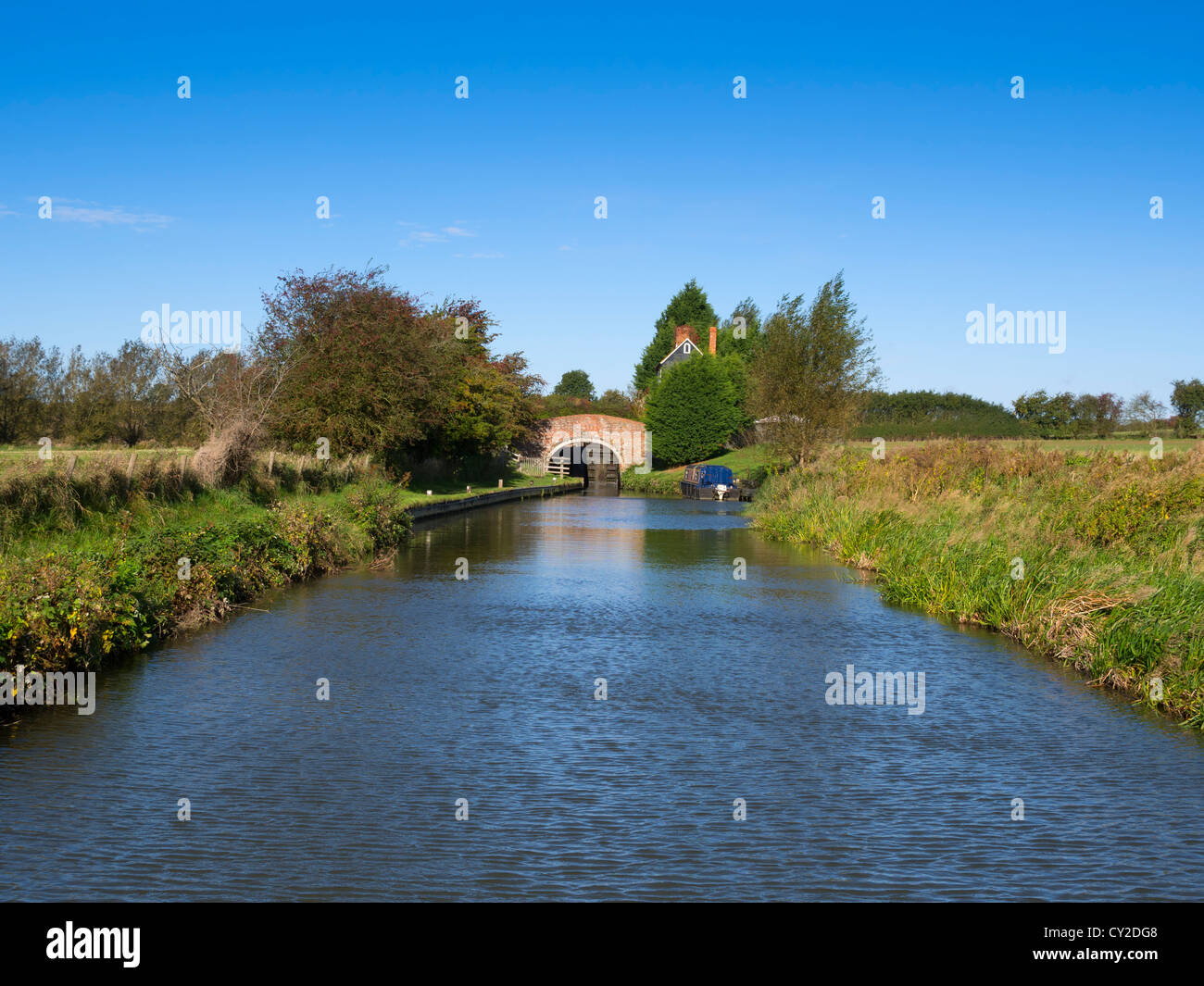 Bridge 194 and Somerton Deep Lock on the Oxford Union Canal above Somerton, Oxfordshire. - Stock Image