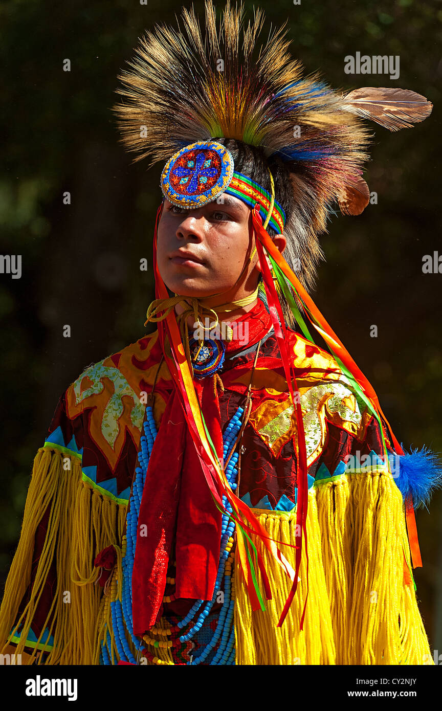 Chumash native American teen dancing - Stock Image