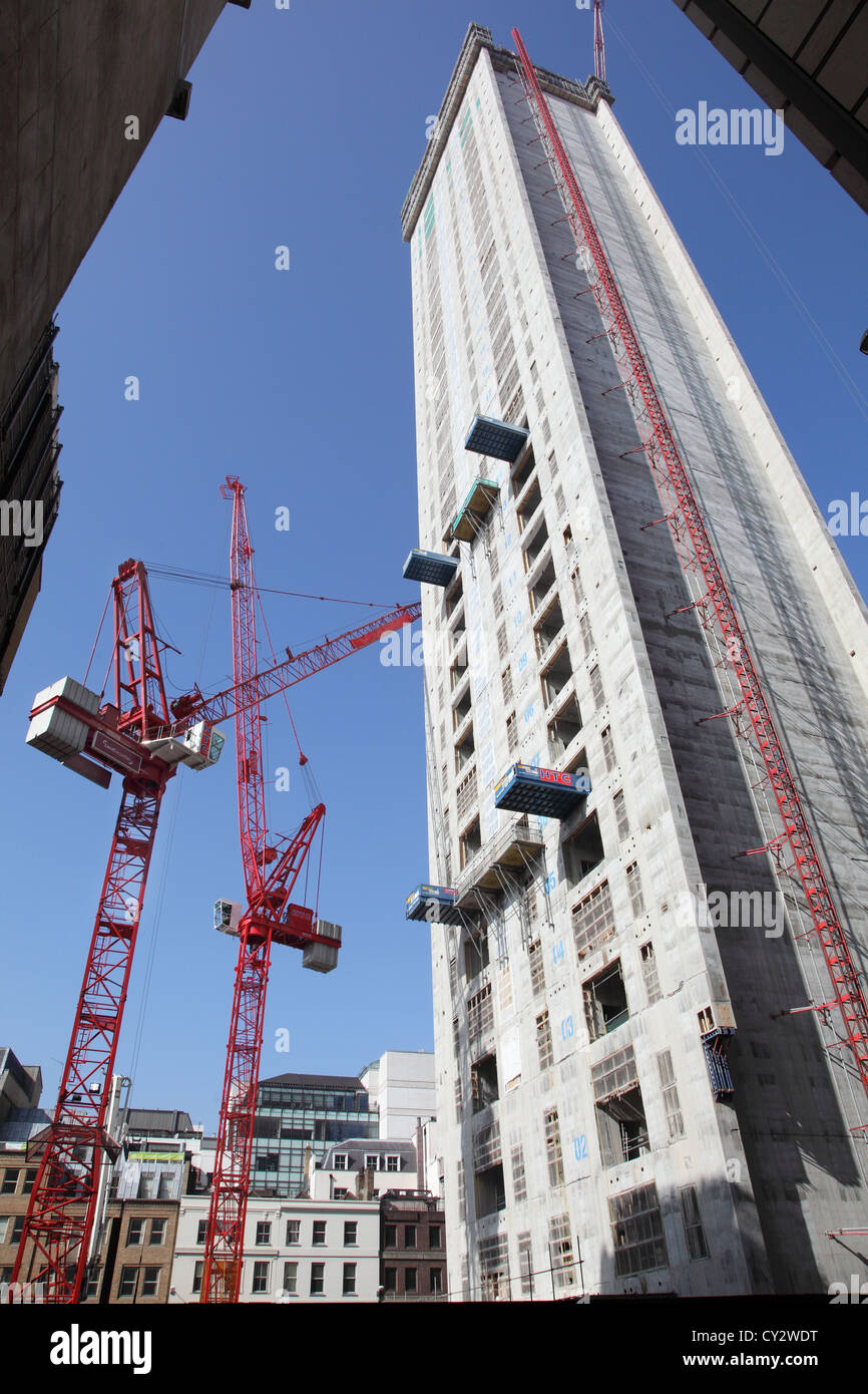 Tower Cranes at 20 Fenchurch Street in the City of London. New 36 storey tower block nick-named the Walkie-Talkie - Stock Image