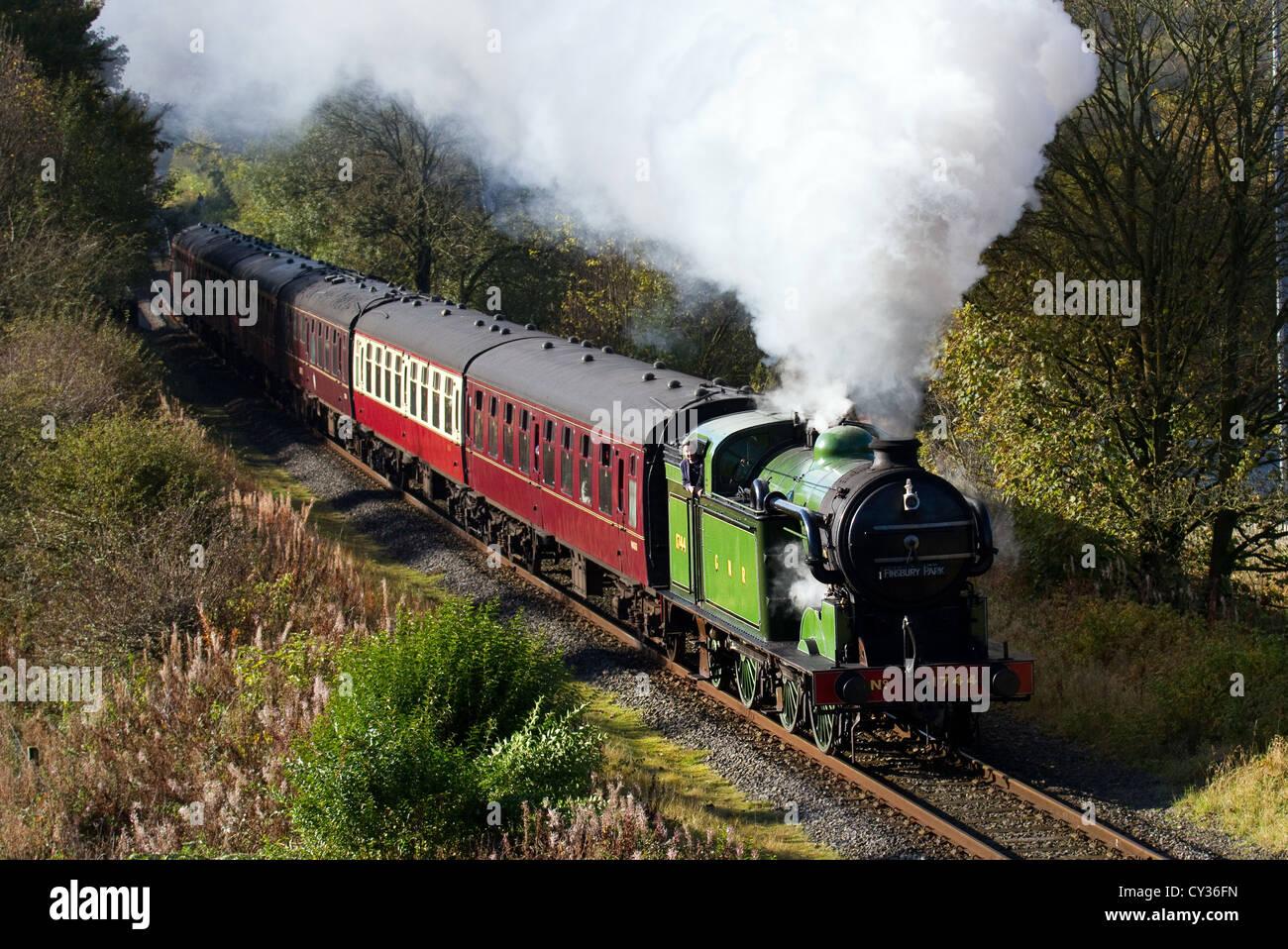 61306 British Railways 'Mayflower' 1940s LNER Thompson-class B1 restored engine, running at speed at heritage steam Stock Photo