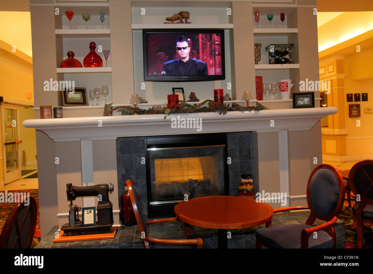 maine freeport hilton garden inn motel hotel lobby fireplace decor decoration flat screen panel tv