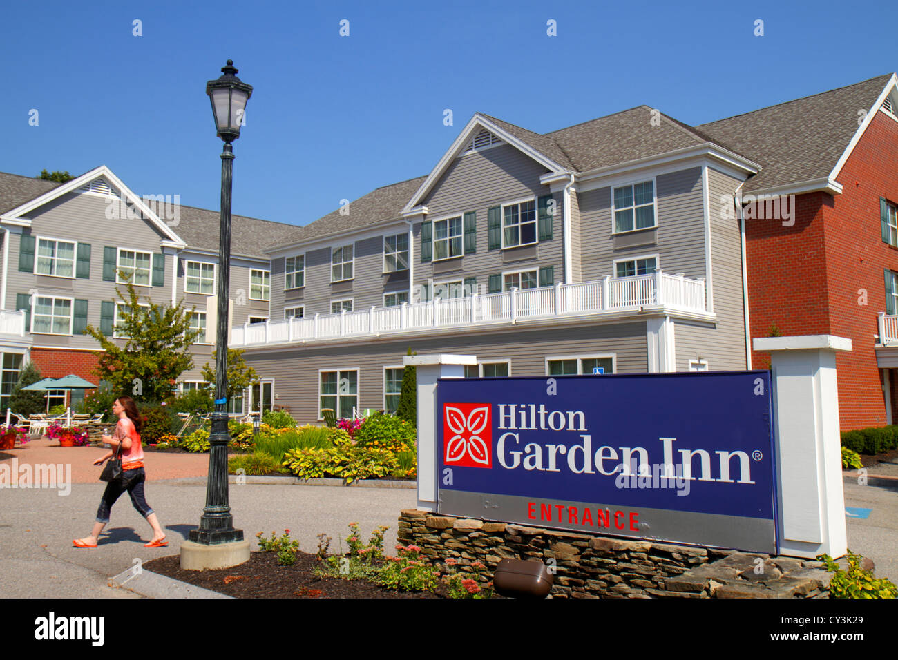 Maine Freeport Hilton Garden Inn motel hotel front outside entrance landscape sign - Stock Image