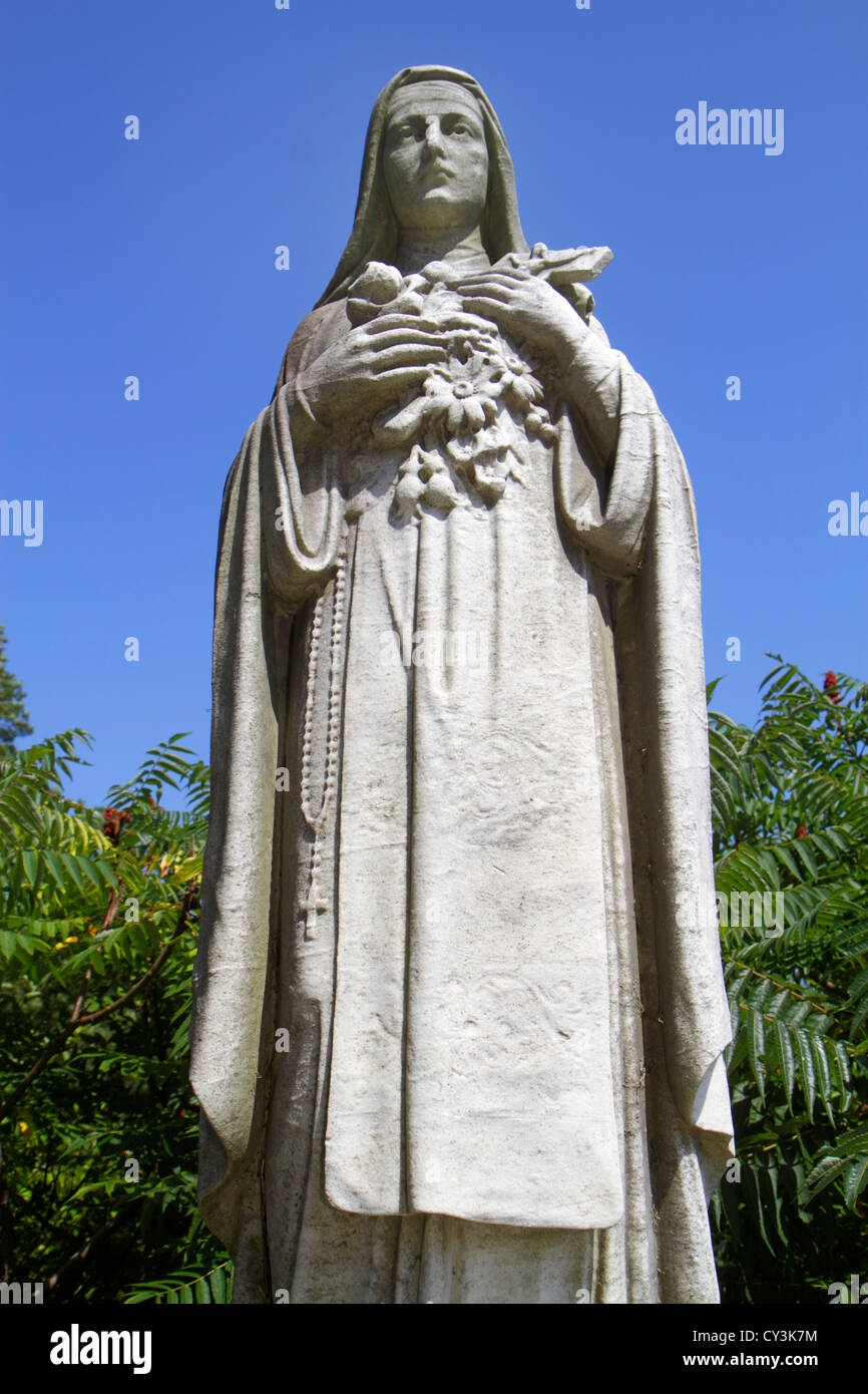 Maine South Portland Calvary Cemetery Roman Catholic Diocese of Portland statue nun woman religion Christian - Stock Image
