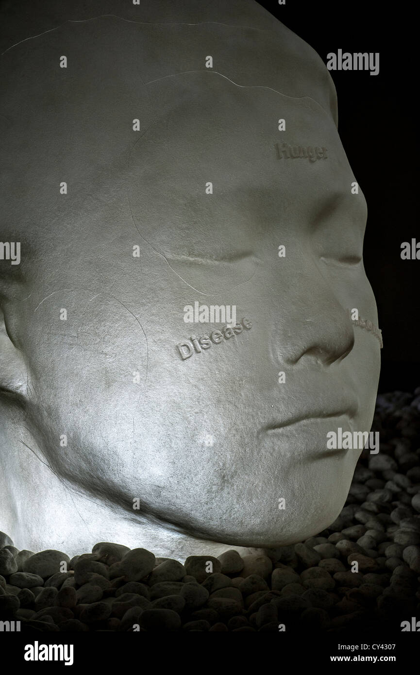 In the Midst of Dreams - from a series of sculptures of alabaster heads by Jaume Plensa, exhibited at Yorkshire - Stock Image