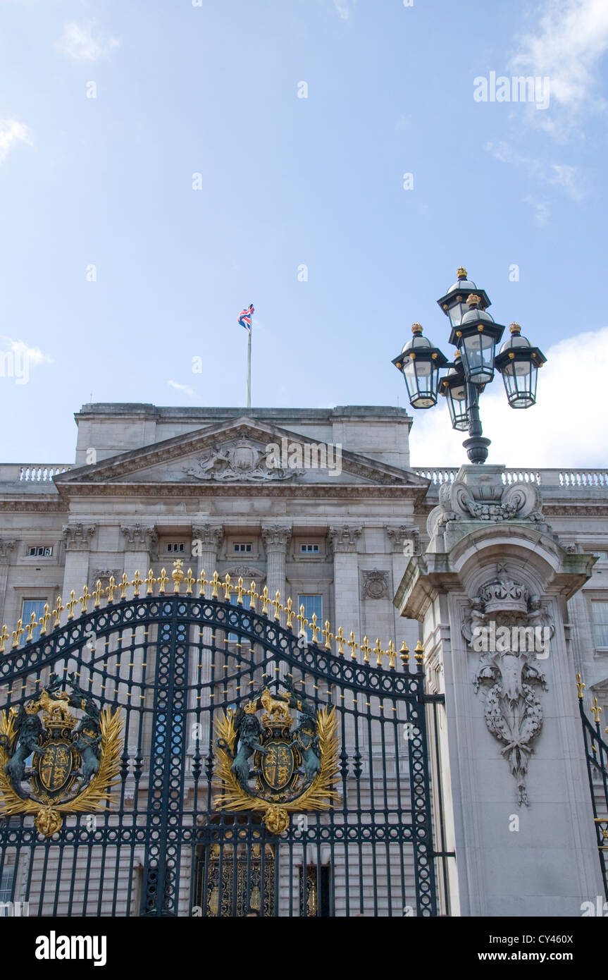 Entrance gate to Buckingham Palace in London Stock Photo