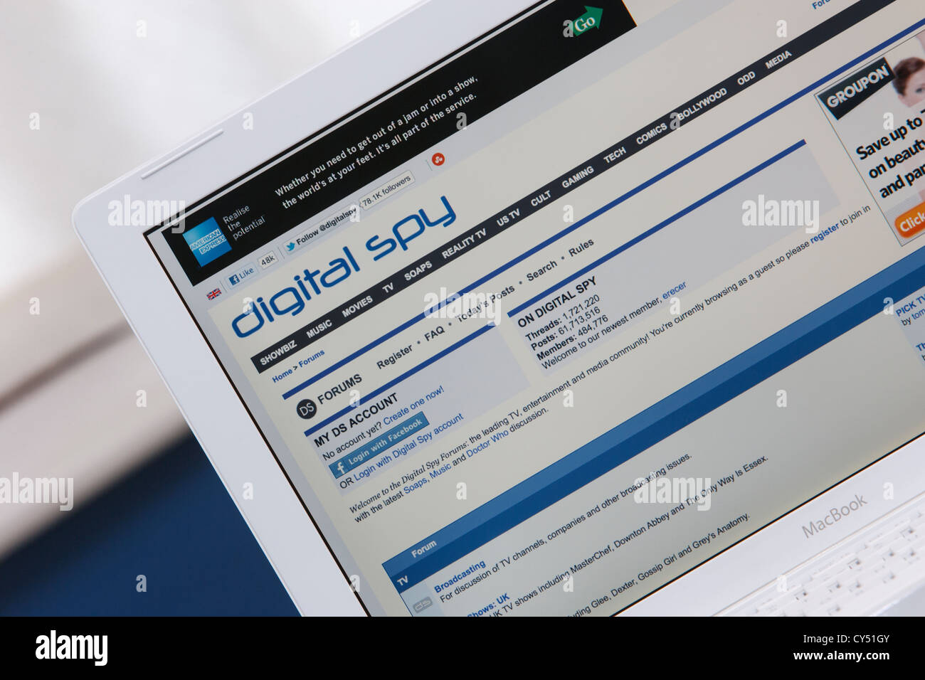 A web page from the Showbiz, entertainment and media news website Digital Spy is shown being viewed on a laptop - Stock Image