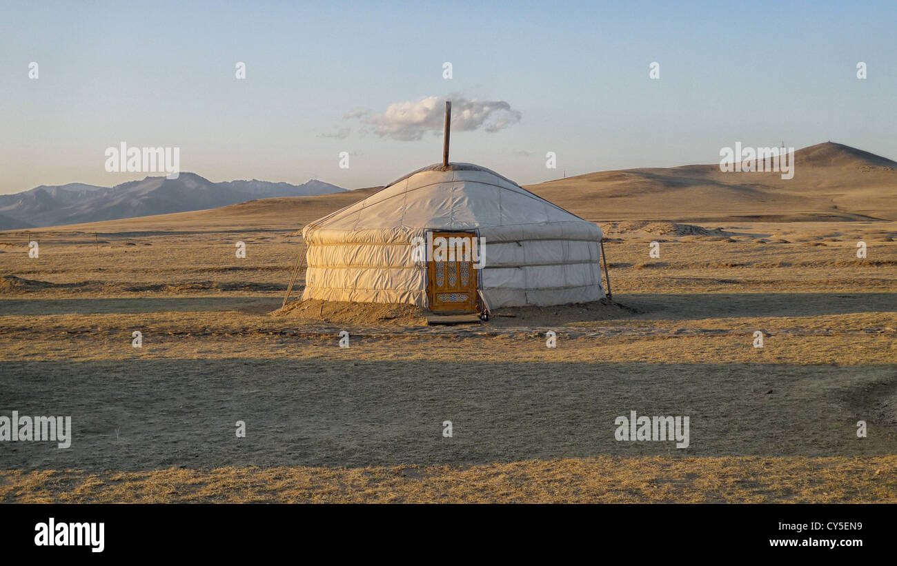 A ger in the Mongolian countryside. - Stock Image