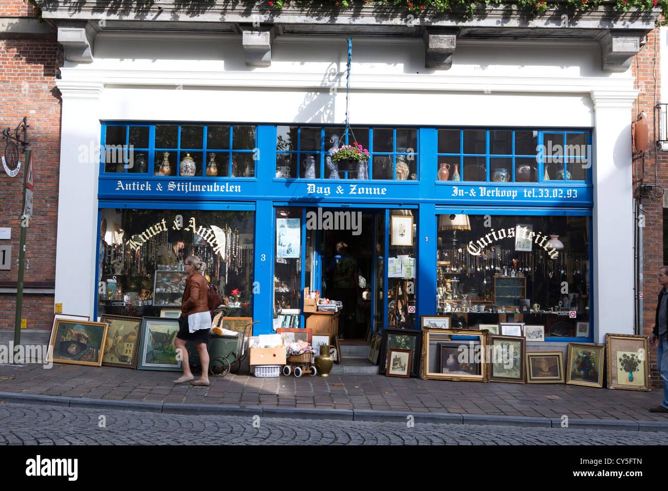 Antique Shop Belgium Stock Photos & Antique Shop Belgium Stock ...