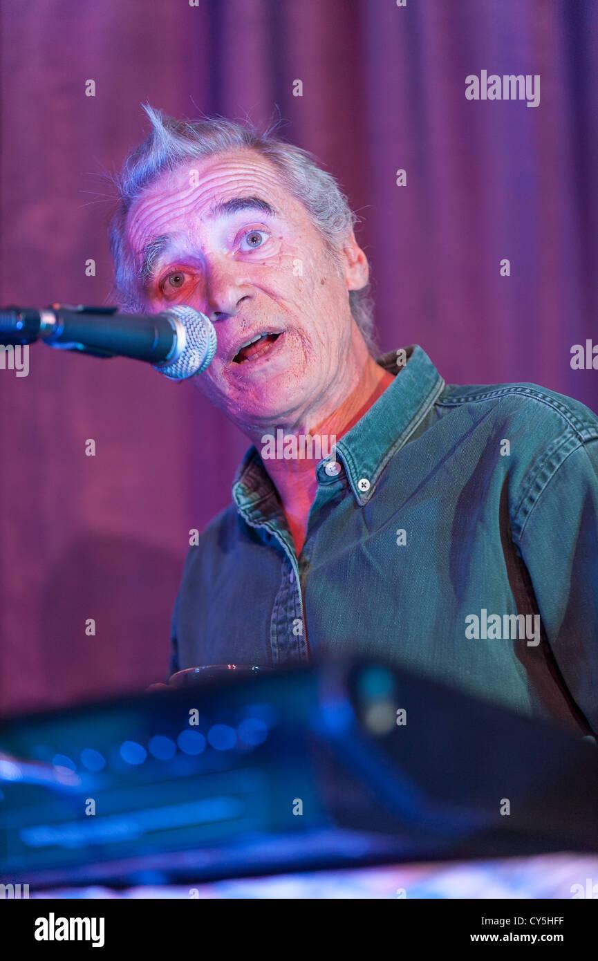 Scottish Singer/Songwriter Michael Marra performing at Speyfest 2008 - Stock Image