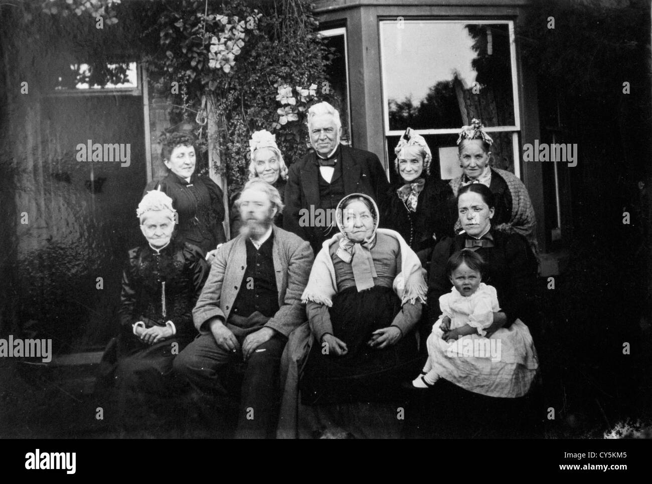 Victorian vintage family group photographs Birmingham England UK 1890s HOMER SYKES relatives of this content supplier. - Stock Image