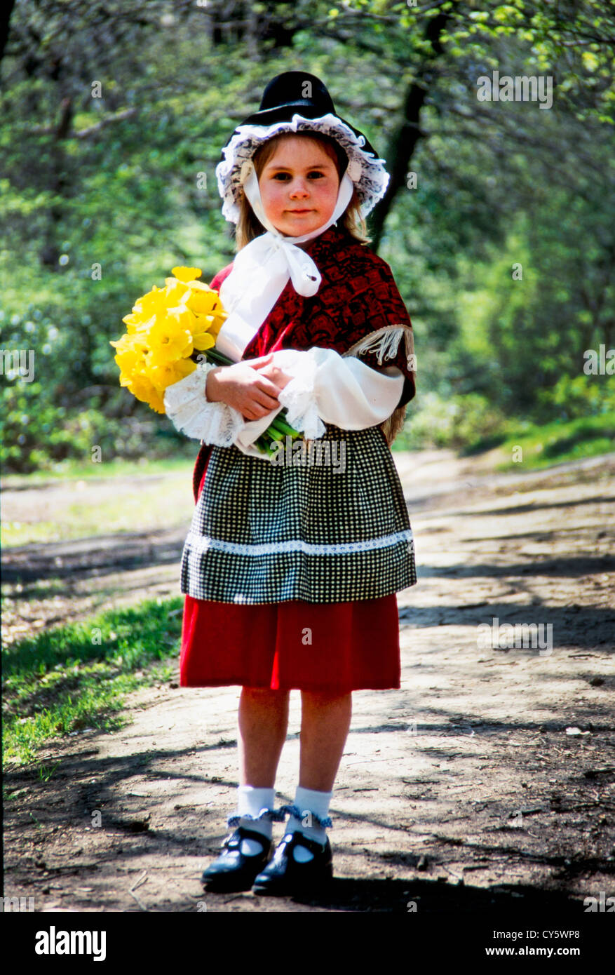 877823f16 Traditional Welsh Costume Stock Photos & Traditional Welsh Costume ...