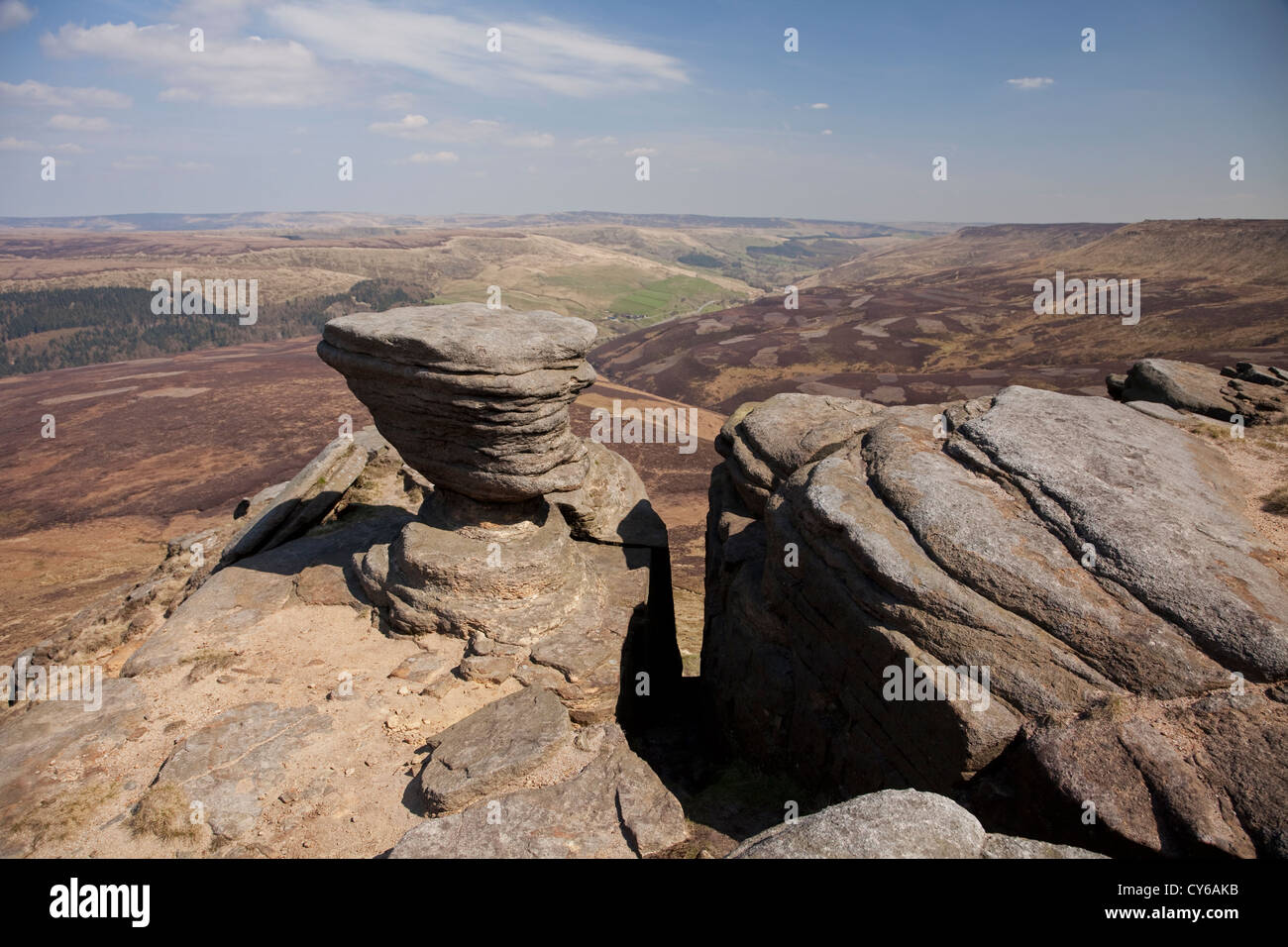Rocks near 'The Edge' on Kinder Scout in the Peak District - Stock Image