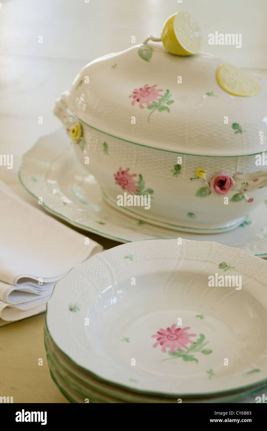 Patterned crockery & Patterned crockery Stock Photo: 51157011 - Alamy