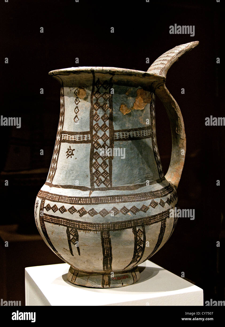Tankard Terracotta late  Cypriot I white slip  I ware 1600 - 1450 Cyprus Greek Greece - Stock Image