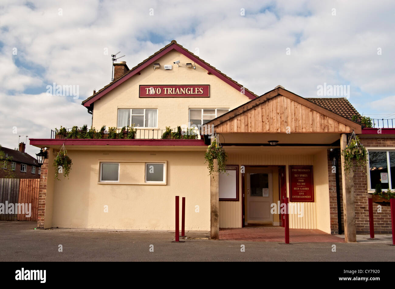 the two triangles tavern pub bar inn bar - Stock Image