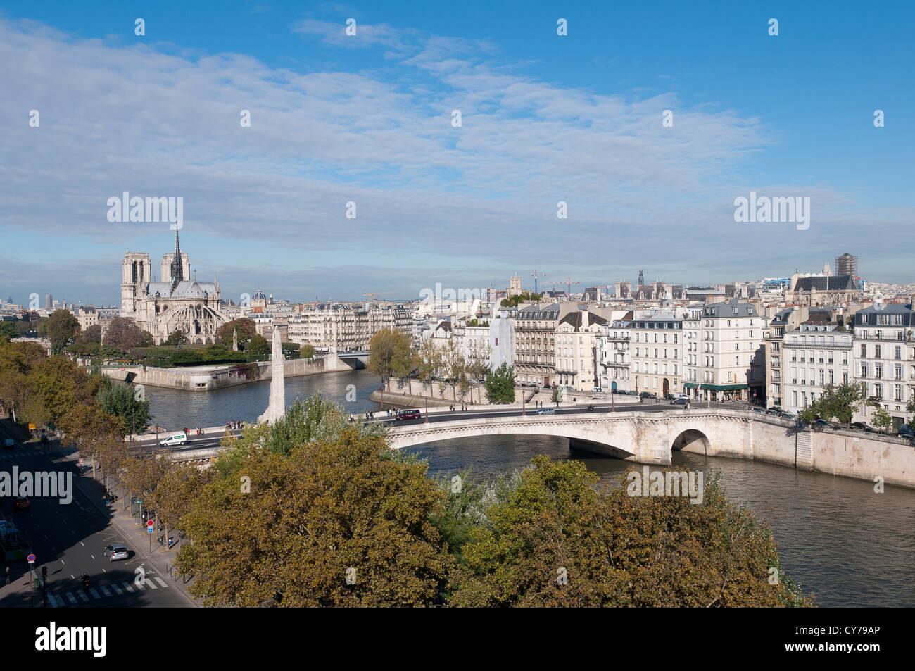 Cathedrale Notre Dame de Paris et les iles Saint Louis et de la Cité Cathedral Notre Dame - Stock Image
