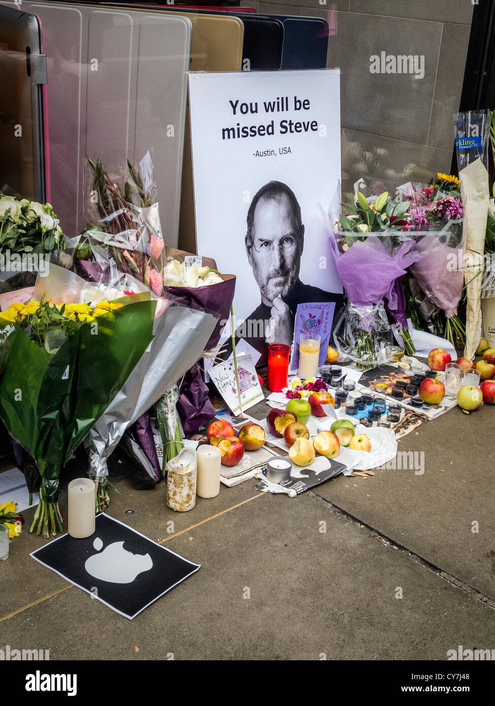 death of steve jobs a memorial created by apple fans outside the apple store in regent street