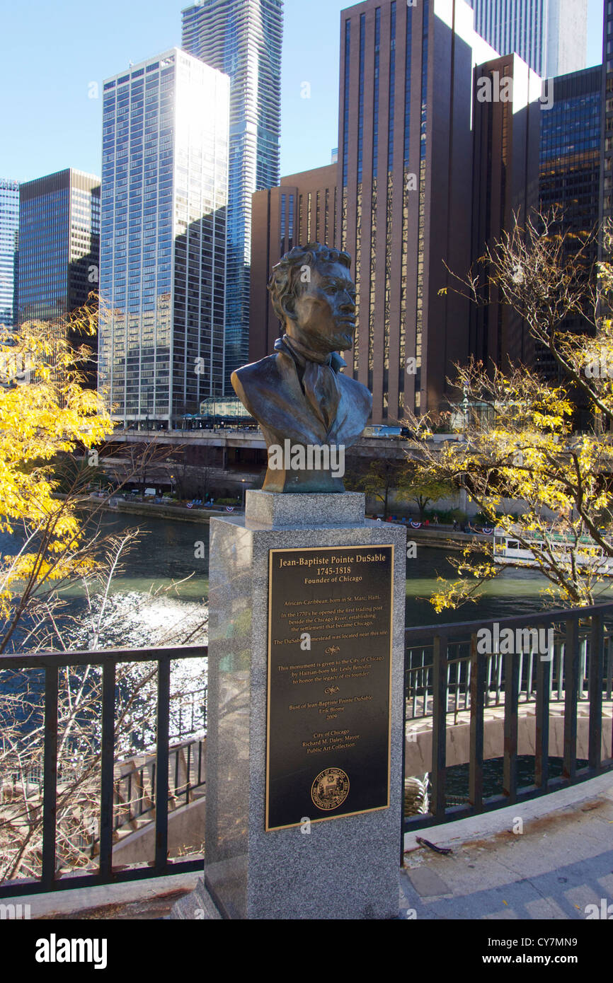 Bust of Jean-Baptiste Pointe DuSable, founder of Chicago. Pioneer Court, Michigan Avenue. Erik Biome sculptor - Stock Image