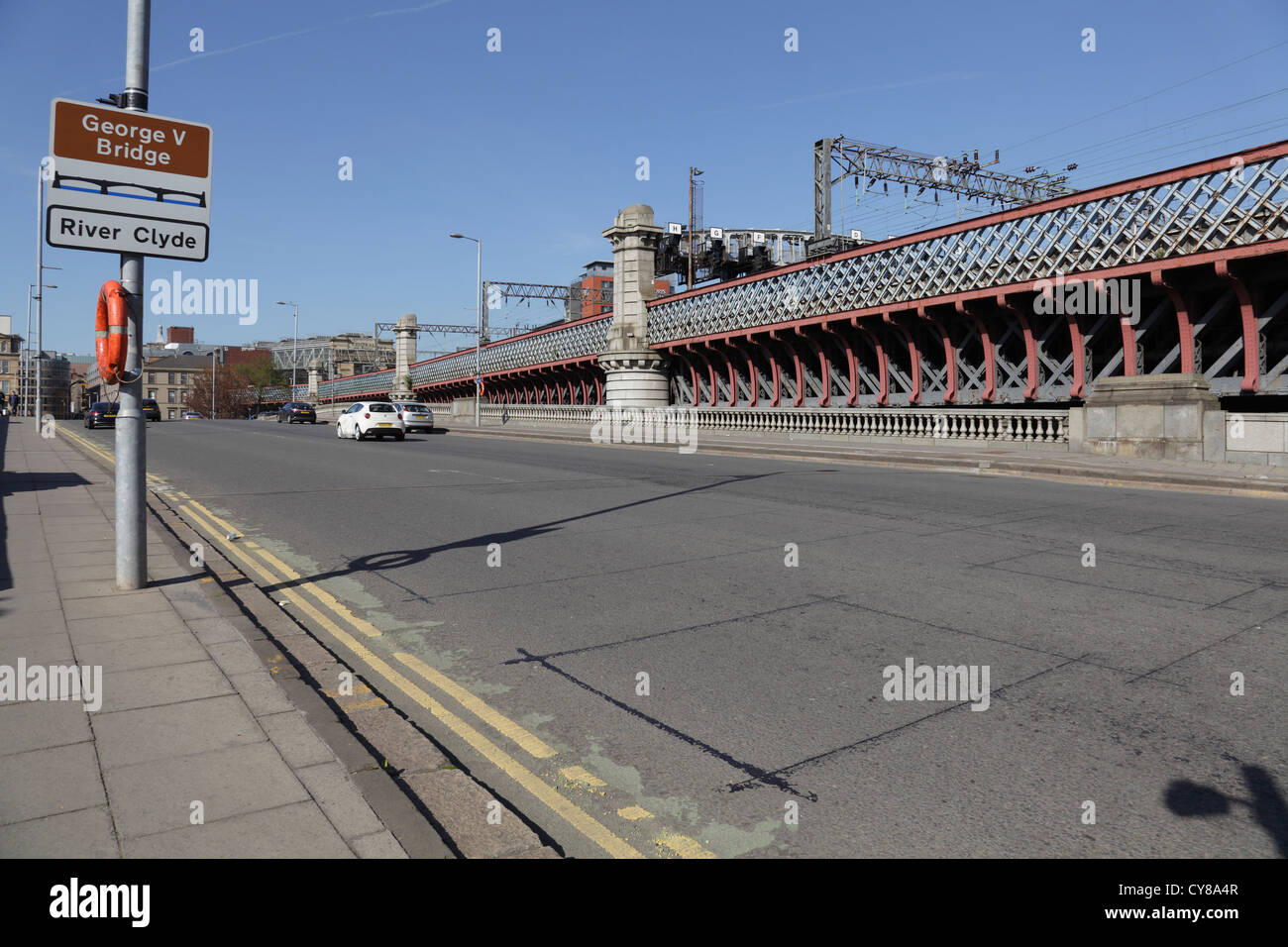 George V Bridge over the River Clyde with Central Station railway bridge behind, Commerce Street, Glasgow, Scotland - Stock Image