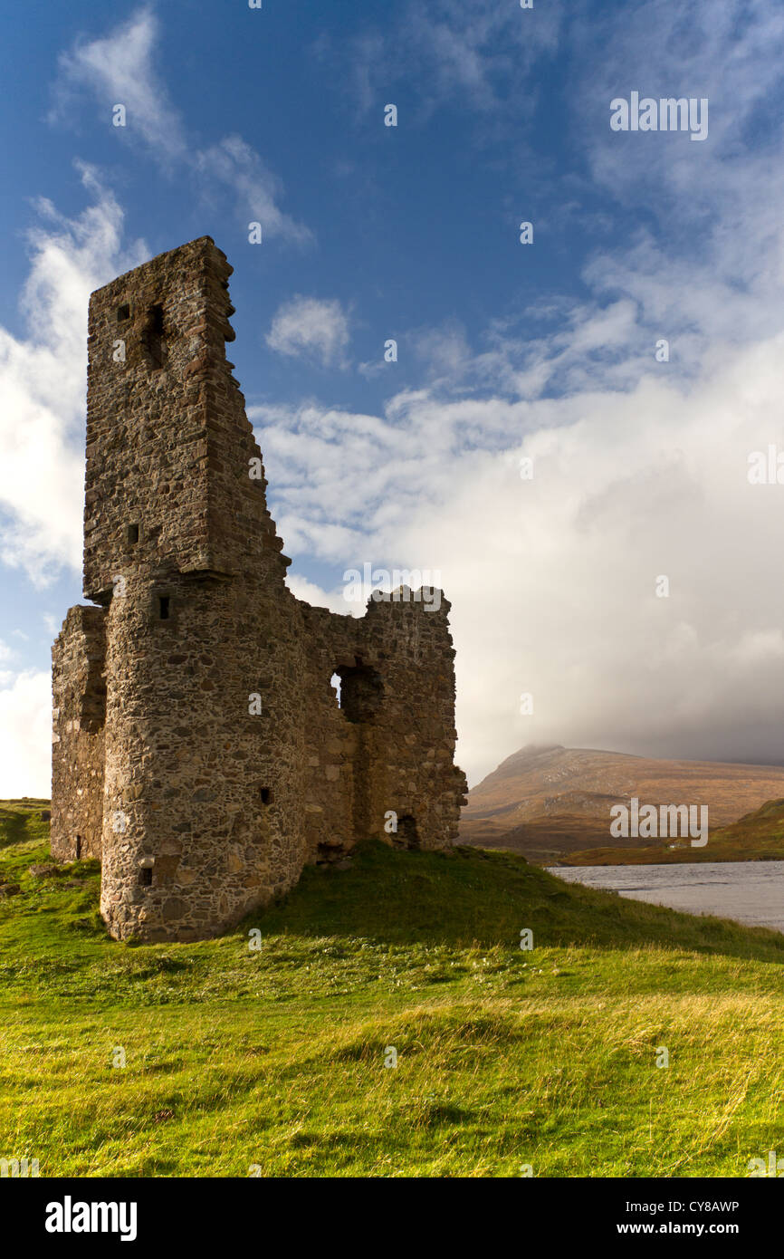 The ruin of Ardwreck Castle in Sutherland, northern Scotland - Stock Image