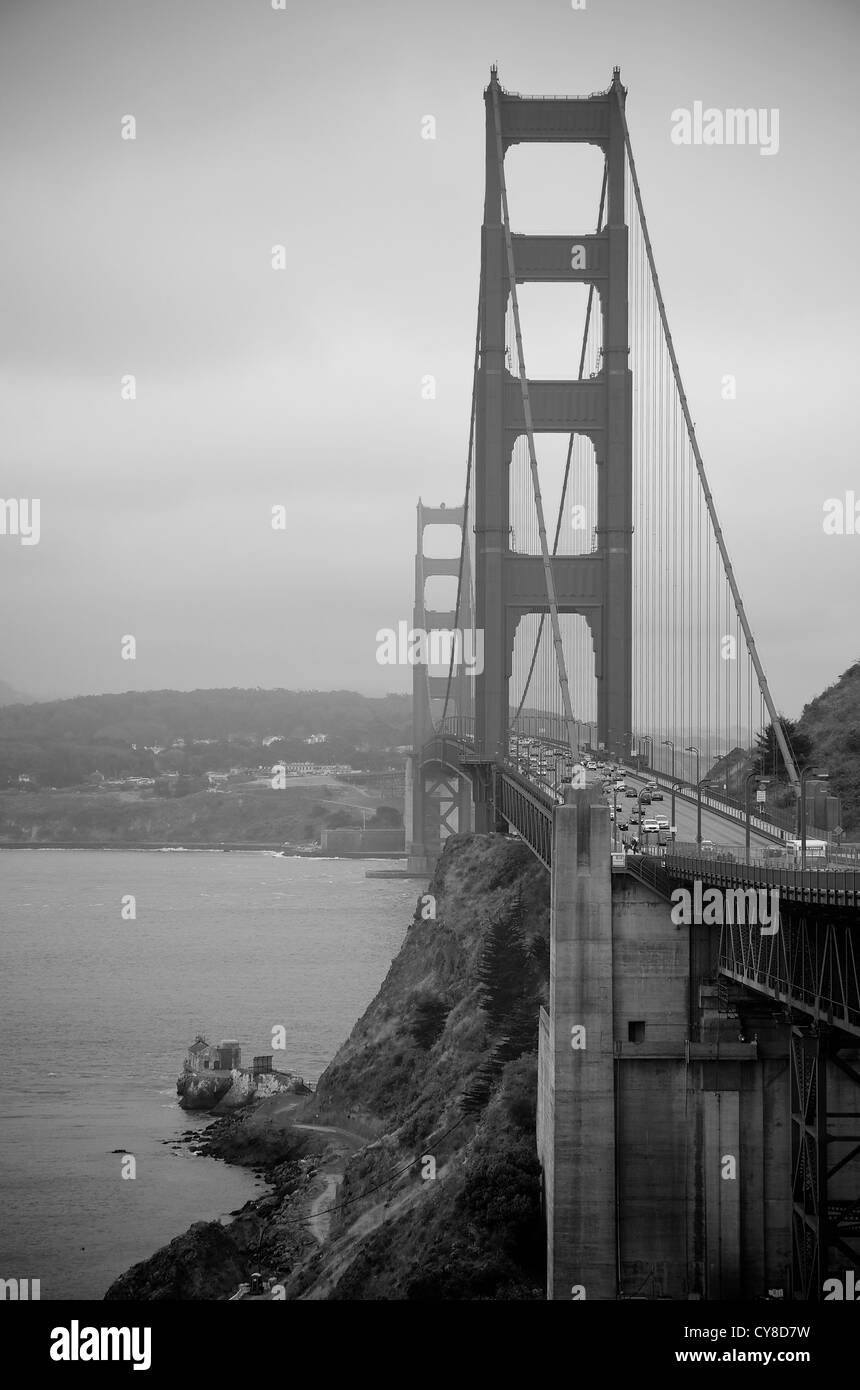 Golden Gate Bridge on an overcast and gloomy day (black and white) - Stock Image