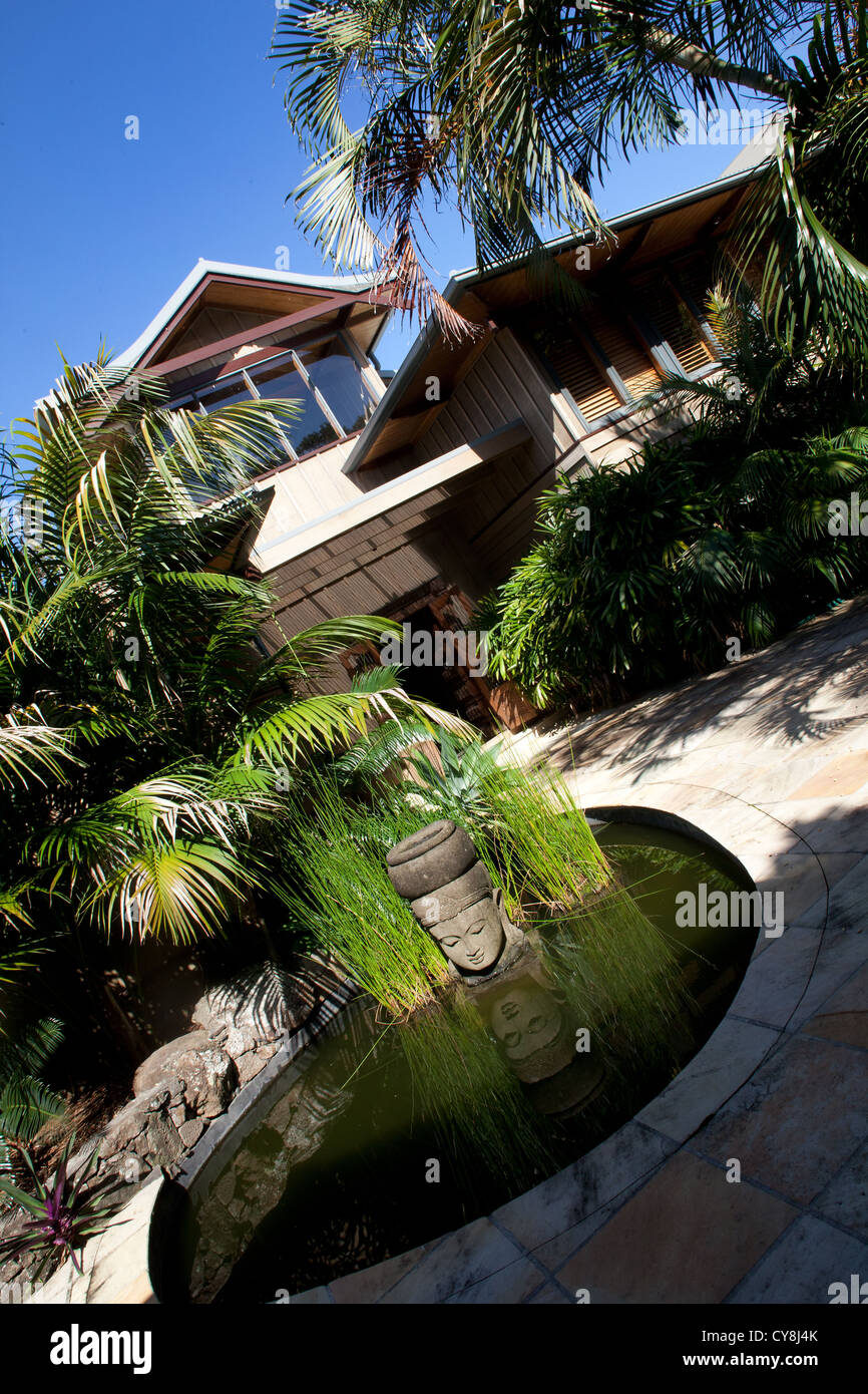 Byron Bay And Tallow Beach Houses In The Style Of Bali With Buddha Stock Photo Alamy