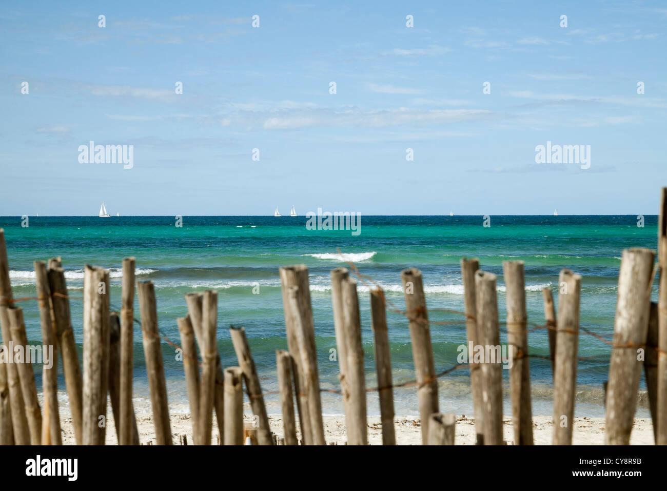 Tranquil beach scene - Stock Image
