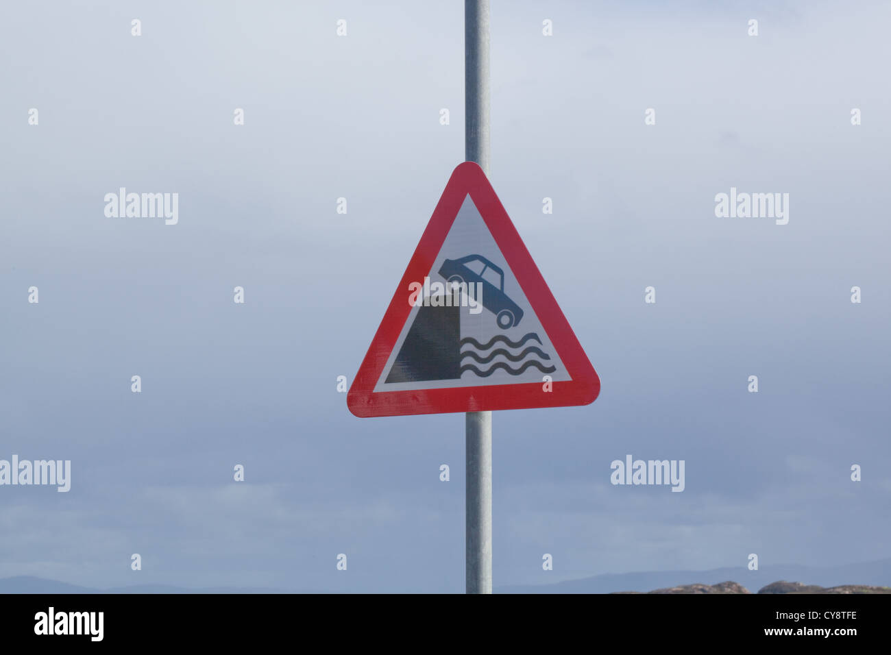 Road Sign. Warning regarding pier and jetty ending to vehicles on arrival intending to embark on a ferry. St. Ronan's - Stock Image