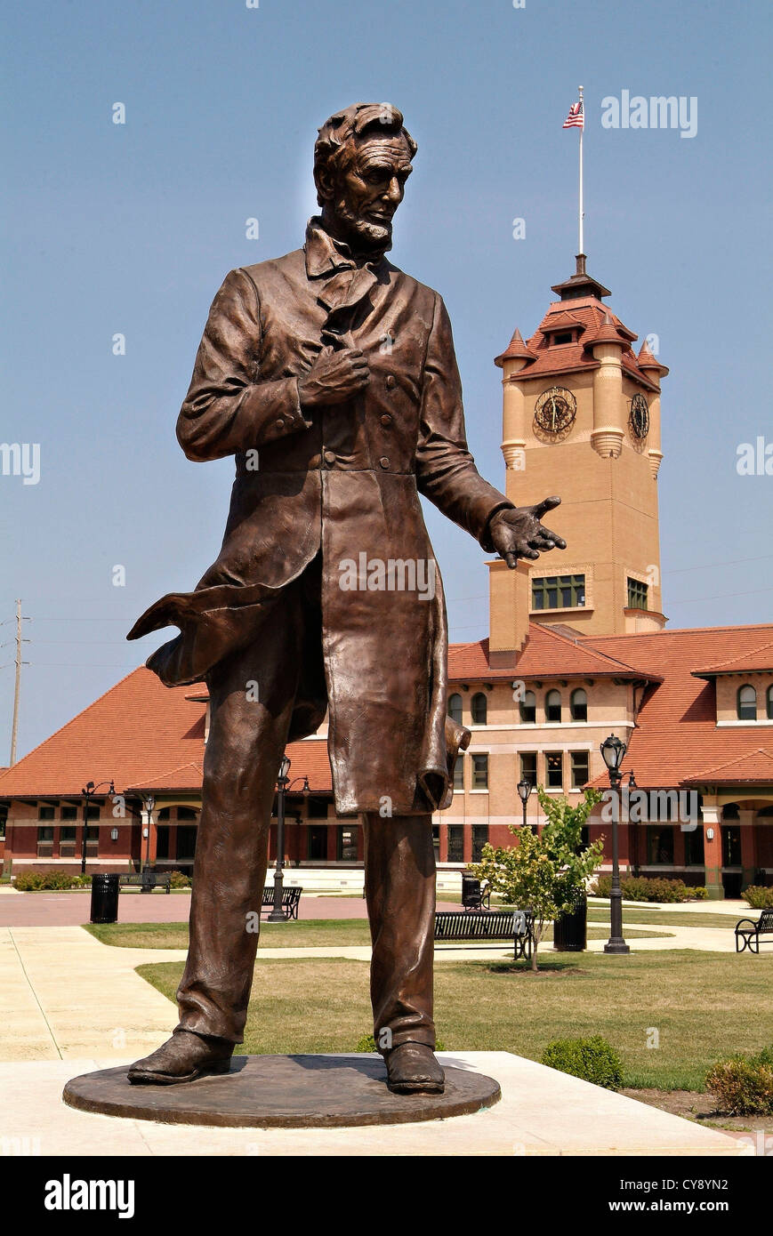 Springfield Illinois USA State Capital and home of the Lincoln Library and Museum. McClarey Statue of Abraham Lincoln Stock Photo
