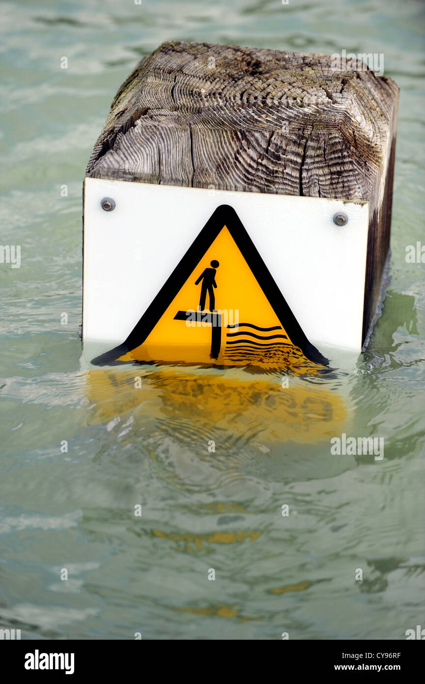 High Tide Sign Stock Photos High Tide Sign Stock Images Alamy