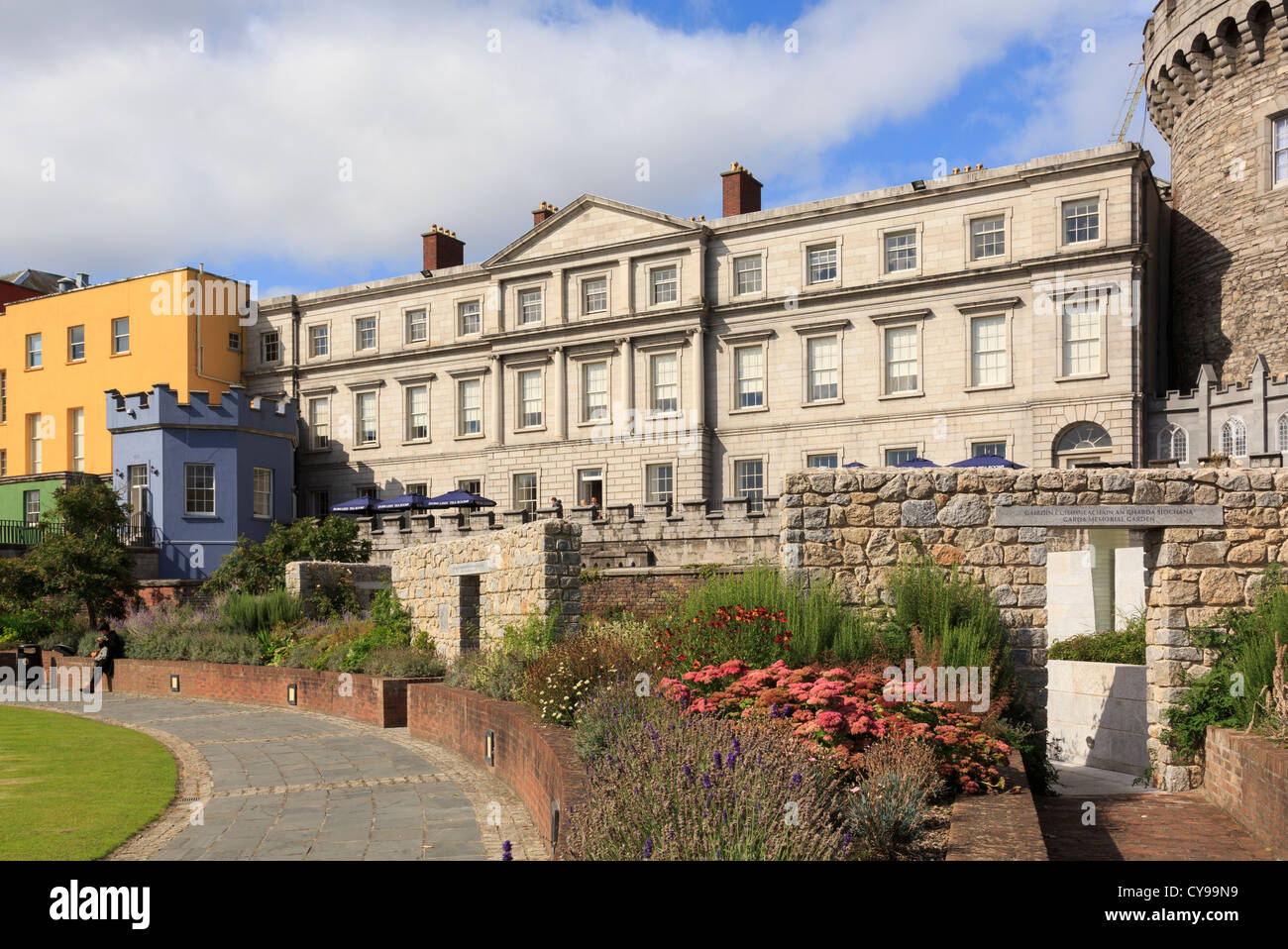 View to State Apartments of Dublin Castle next to Record Tower from the gardens. Dublin, Republic of Ireland, Eire - Stock Image
