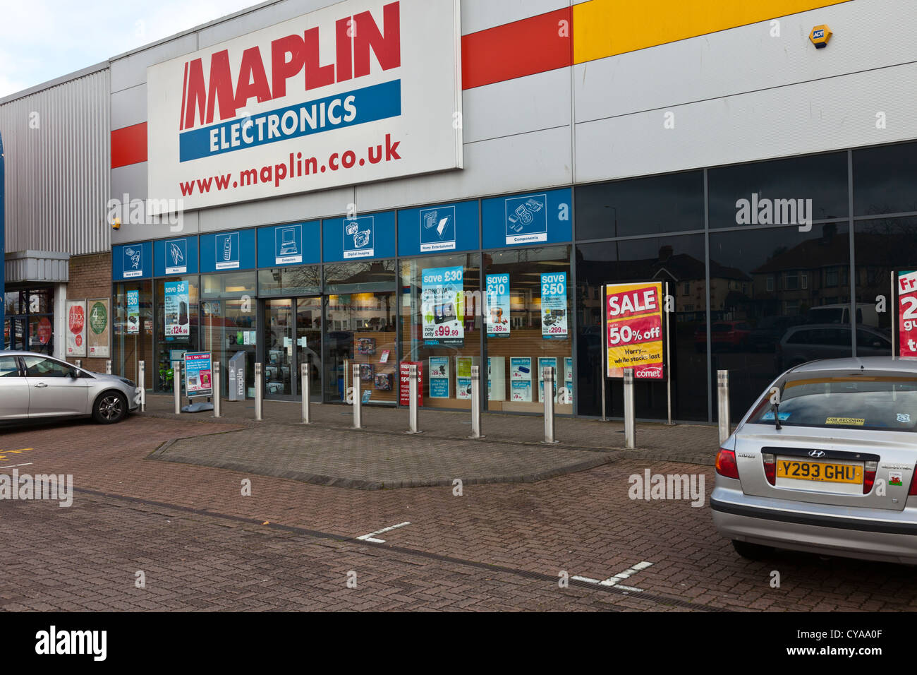 Maplin Electronics shop store, Newport Road, Cardiff, Wales