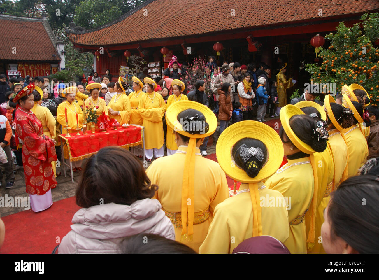 Temple of Literature, Hanoi, Vietnam, Traditional dancers - Stock Image