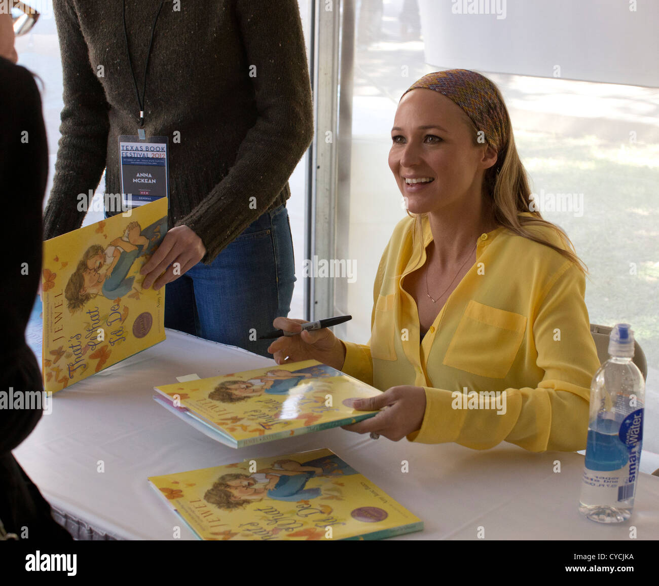 Singer and author Jewel signs copies of her children's book at the Texas Book Festival in Austin. - Stock Image