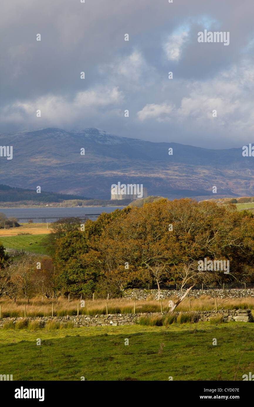 The Magnox nuclear power station at Trawsfynydd in north Wales, which is undergoing a long period of decommissioning - Stock Image