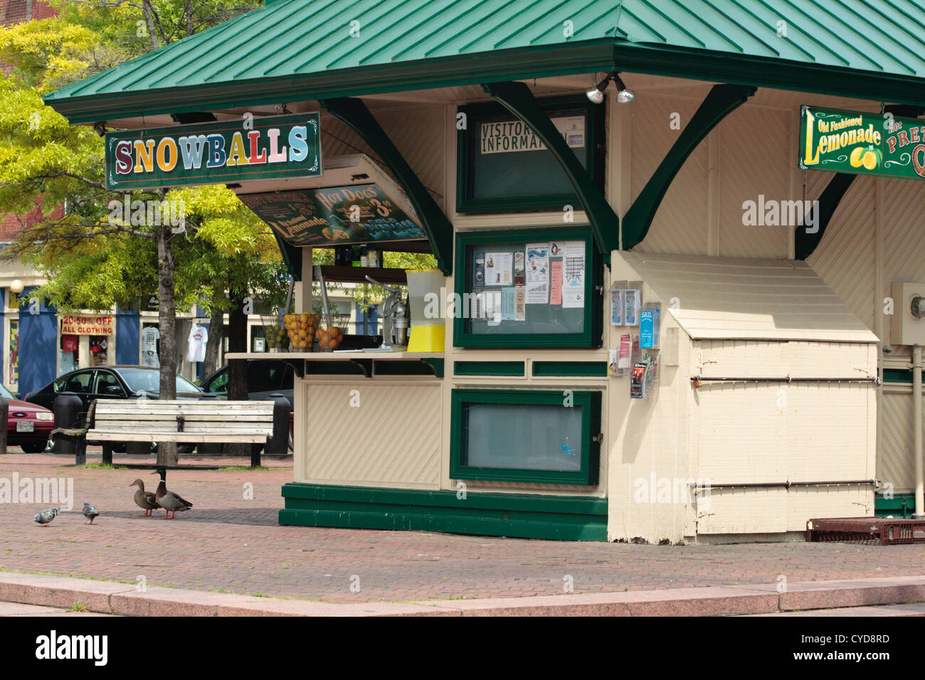 outdoor concession stand selling drinks and snacks Baltimore, Maryland - Stock Image