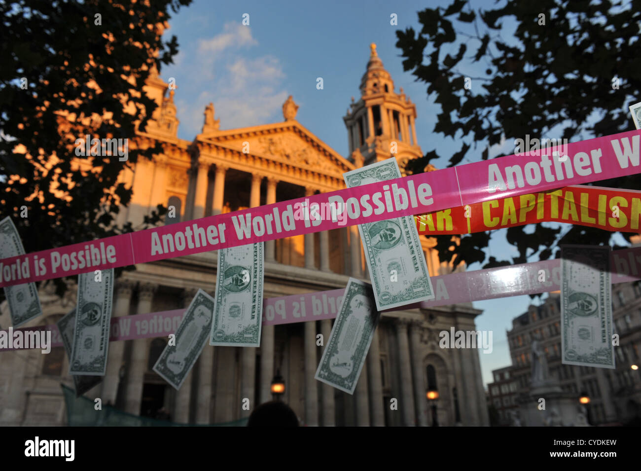 'Capitalism means War,Anti-Globalisation,Occupy.War,'Another world is possible' - Stock Image