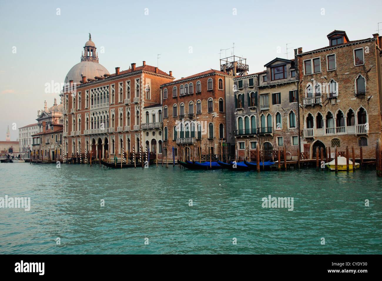 Building along the Grand Canal of Venice, Veneto, Italy. - Stock Image