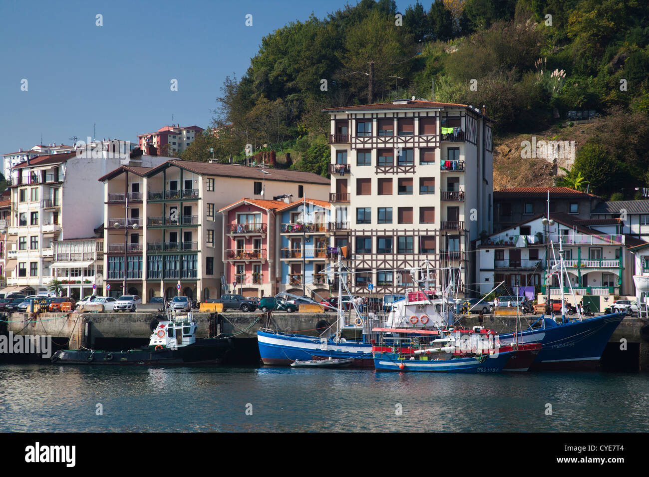 Spain, Basque Country Region, Guipuzcoa Province, Pasaia, Village of Pasai San Pedro, commercial fishing port - Stock Image