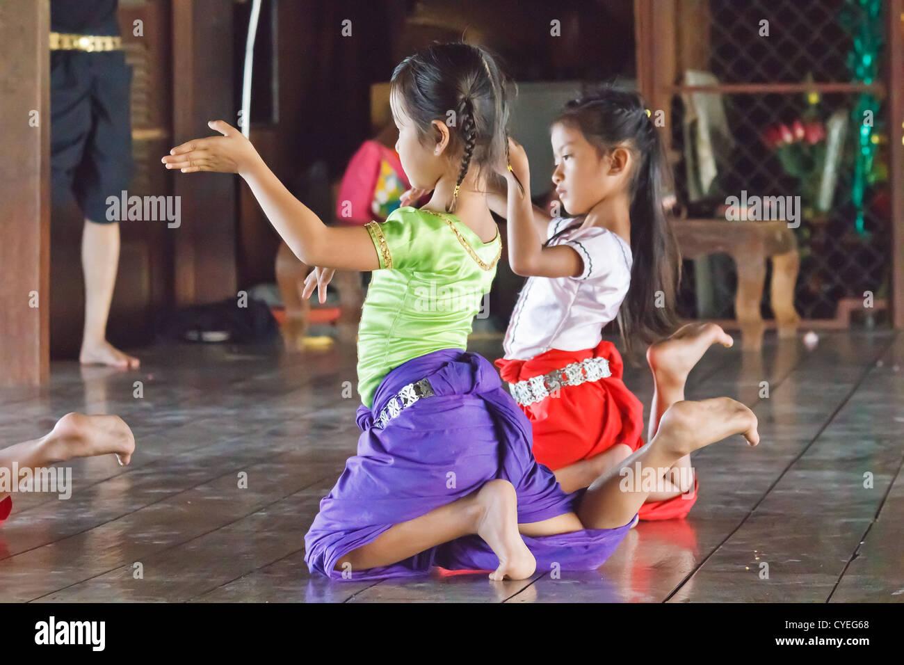 Phnom penh girls