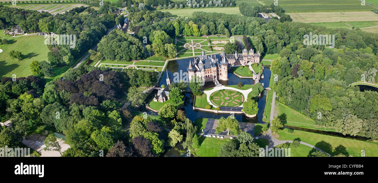Aerial view of De Haar Castle. The current buildings, except for the chapel, date from 1892 and are the work of - Stock Image