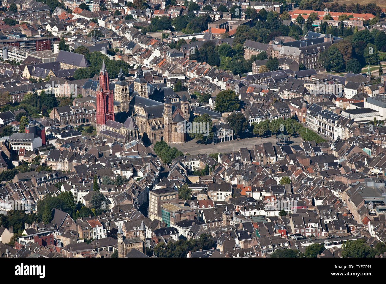 The netherlands maastricht church called st servatius - Maastricht mobel ...