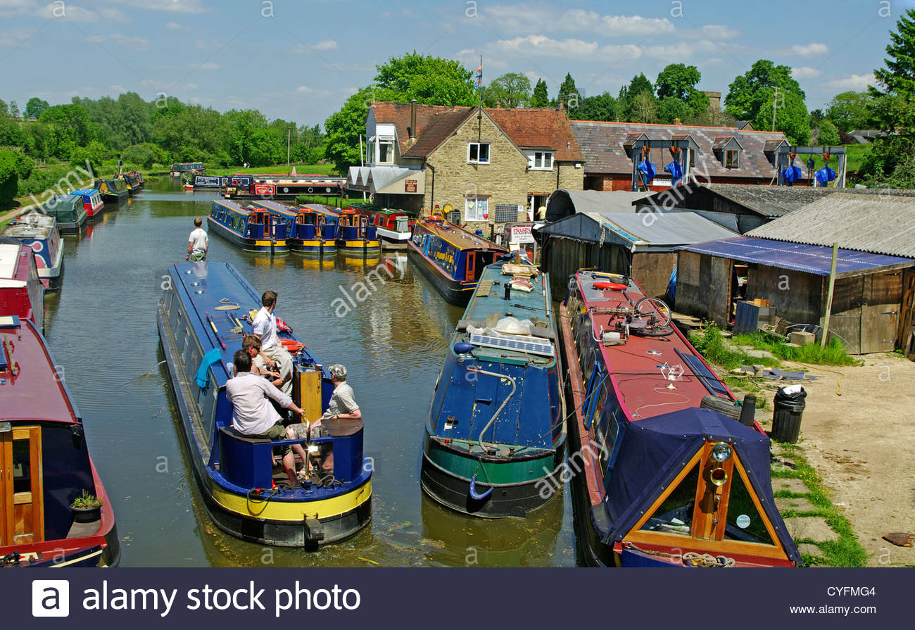 Narrow Boats Lower Heyford Wharf Oxford Canal Oxfordshire - Stock Image