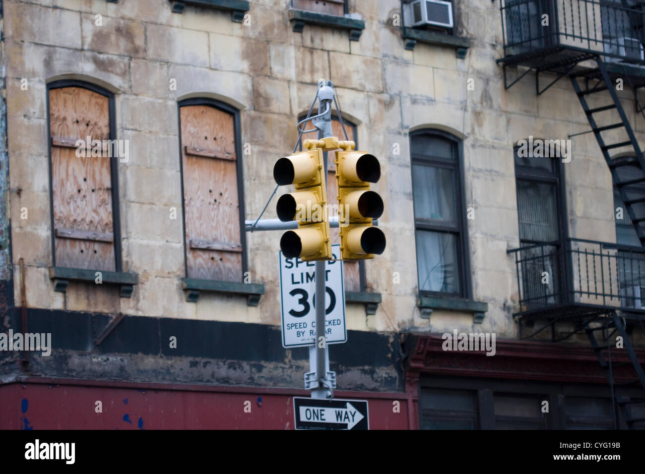 New York USA. A Traffic Light on 7th Avenue and 23rd Street in Manhattan is completely dark due to lack of electrical - Stock Image