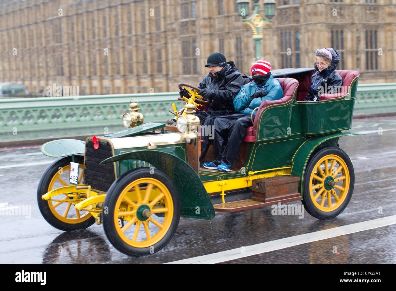 Royal Automobile Club's annual Veteran Car Run London to Brighton. 04.11.2012 Picture shows No.459 a 1904 Darracq - Stock Image
