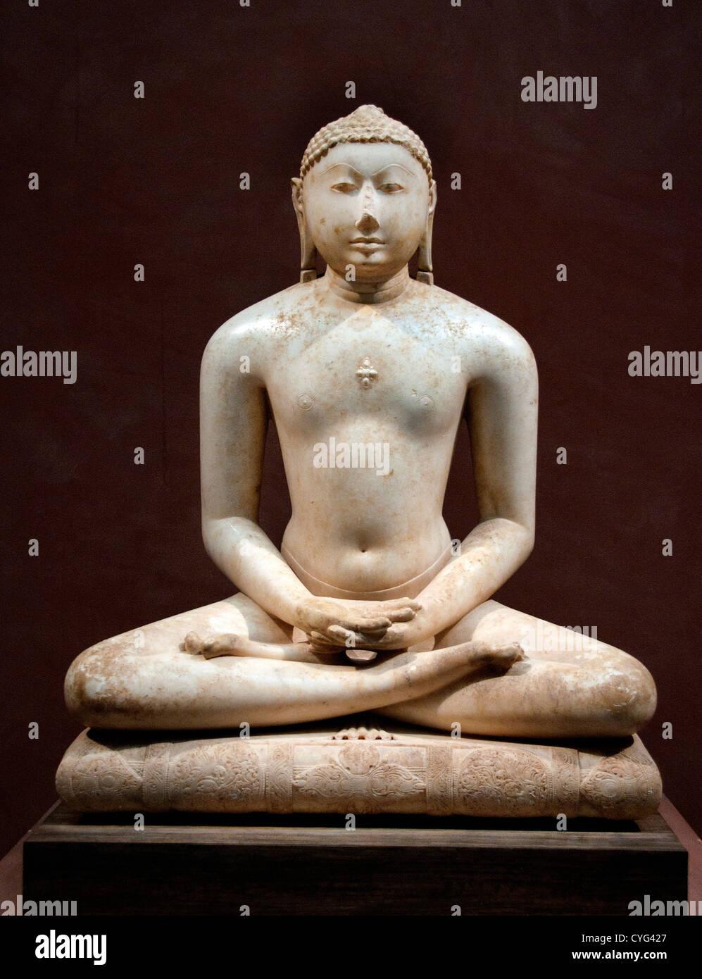 Jain Svetambara Tirthankara in Meditation Solanki 11th century India Gujarat or Rajasthan Marble 99 cm - Stock Image