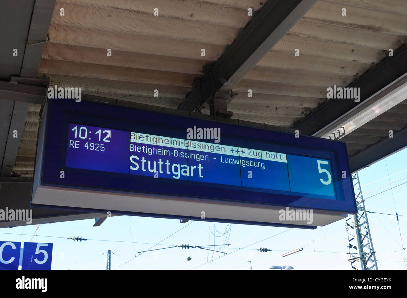 Train stationannunciator panel - Stock Image