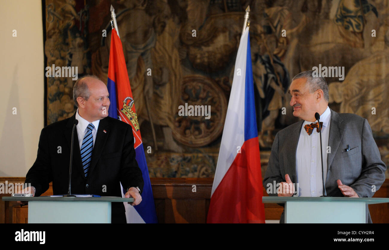 Serbian Foreign Minister Ivan Mrkic, left, and his Czech counterpart Karel Schwarzenberg, right, speak during the - Stock Image